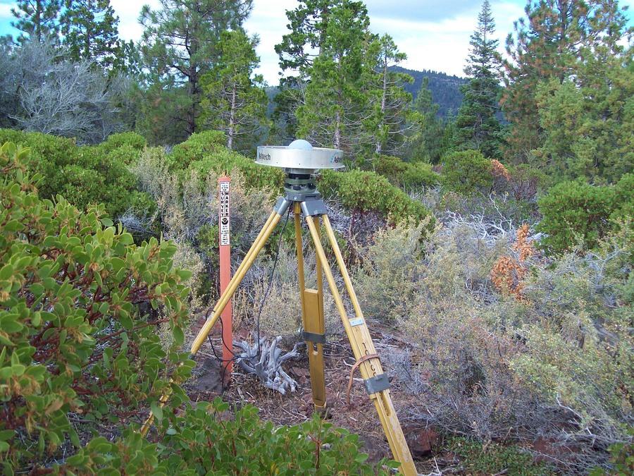 Usgs Earthquake Hazards >> GPS Station VANB - Photos